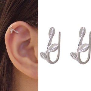 ✨ .925 Silver plated Ear Cuff✨